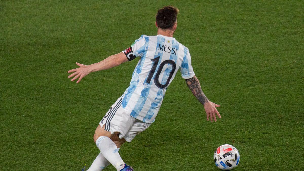 Lionel Messi marcó el primer gol argentino ante Uruguay.