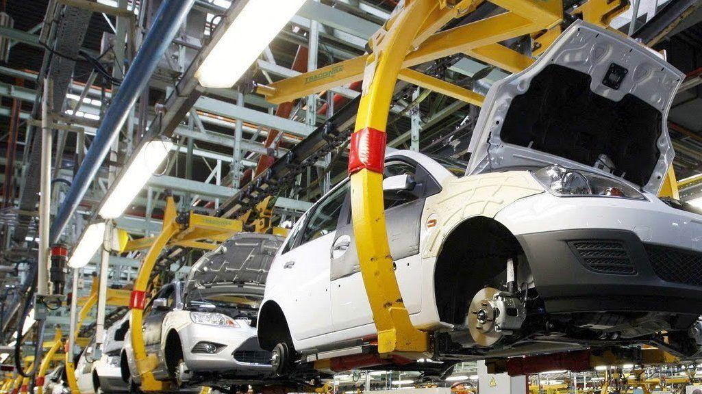 VW frena tres semanas una planta por escasez mundial de semiconductores