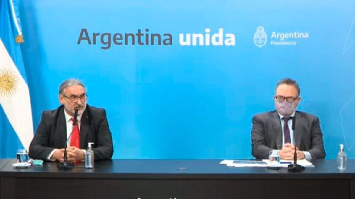Los ministros Luis Basterra, de Agricultura, y de Desarrollo Productivo, Matías Kulfas, anunciaron el martes el nuevo esquema de exportación de carne vacuna.