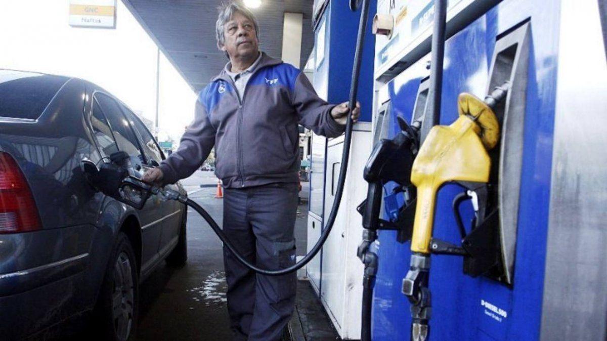 Vuelven a aumentar los combustibles: YPF sube sus naftas 9,5% y Axión, 12%