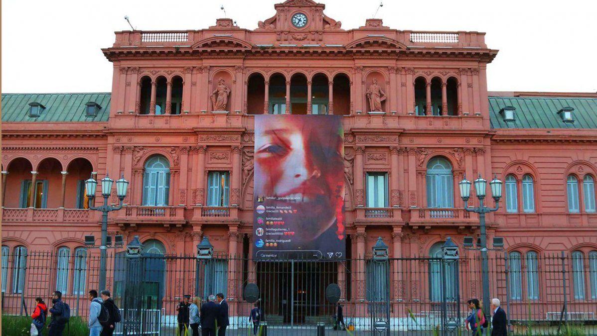 Con una nueva gigantografía, la Casa Rosada homenajeó a Justina Lo Cane y a a todos los donantes de órganos