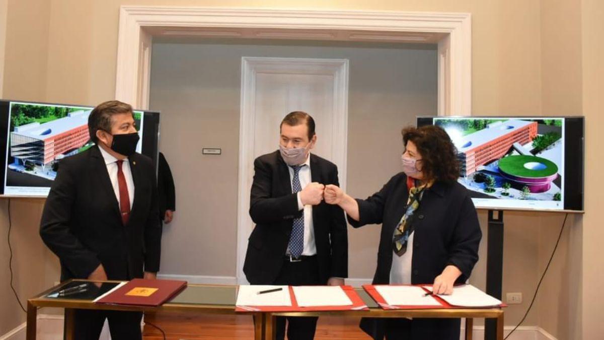 El gobernador Gerardo Zamora y la ministra de Salud