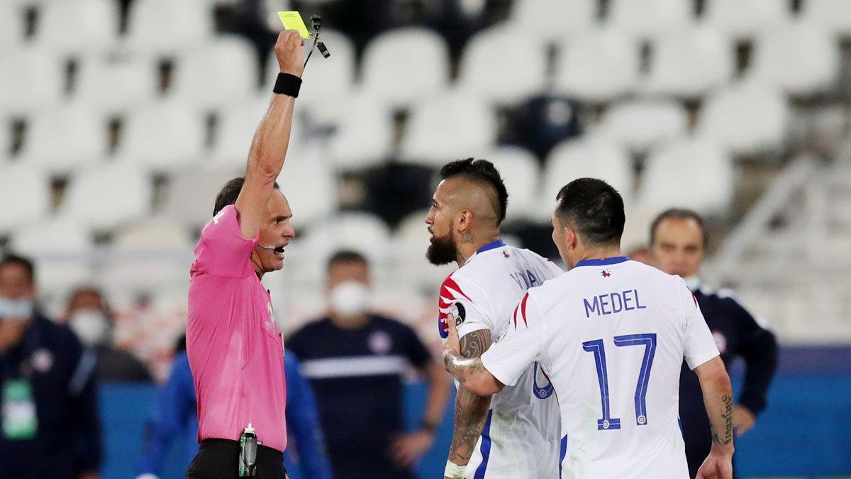 Arturo Vidal tildó de payasito a Patricio Loustau.