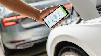"""La app de IA """"Sound Analyser"""" registra los ruidos del auto y los compara con los patrones de sonido almacenados"""