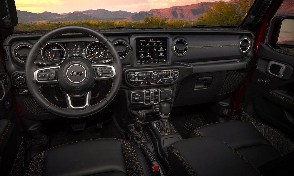 El nuevo Jeep Gladiator ofrece el sistema Uconnect 8.4NAV con funciones de comunicación