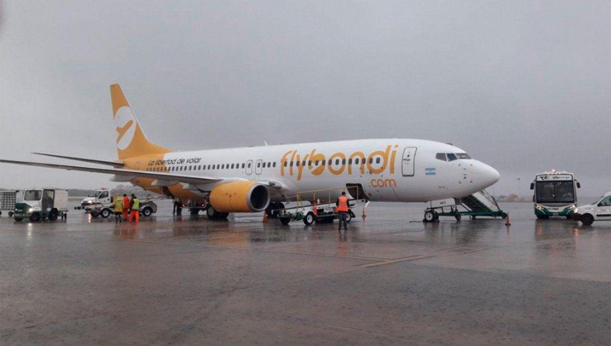 Las fuertes lluvias provocaron demoras y desvíos de vuelos en Ezeiza, Aeroparque y El Palomar