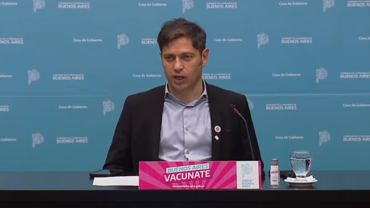 Axel Kicillof hizo anuncios sobre vacunación y clases presenciales.