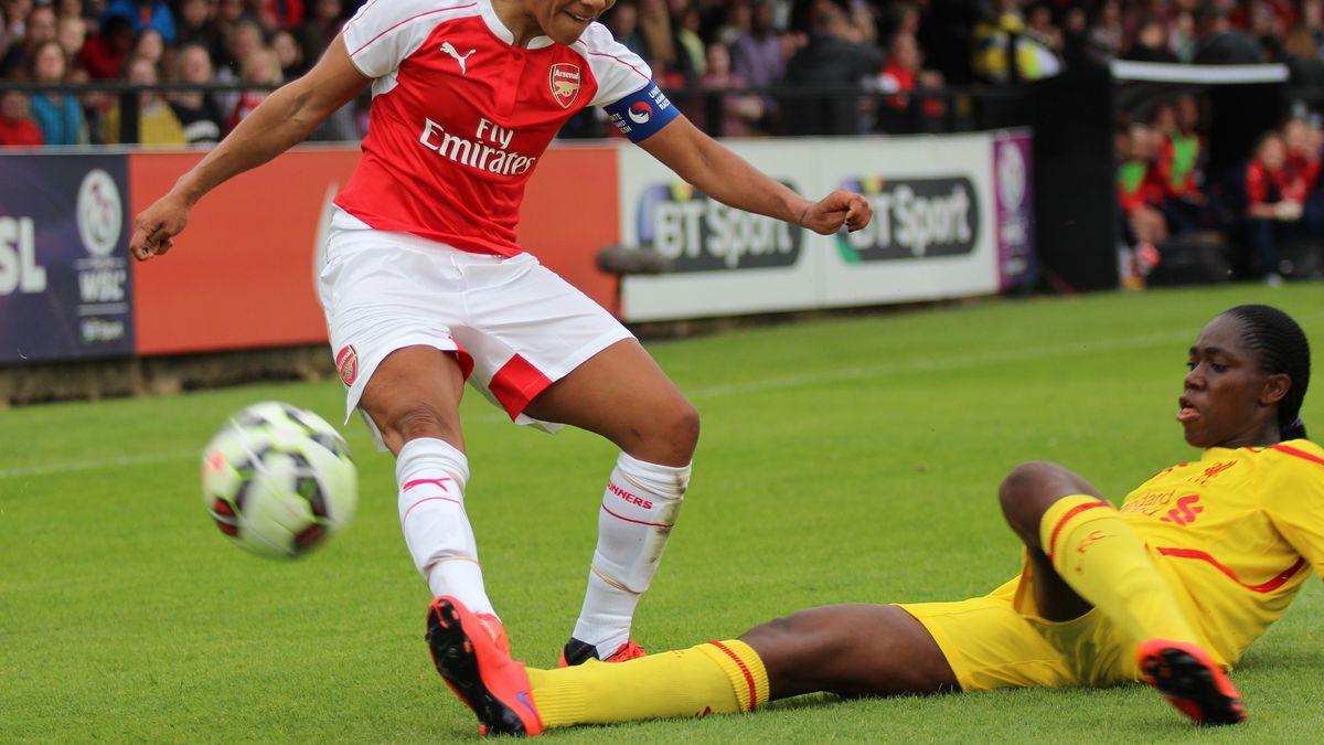 Scott se desempeñó como jugadora del Arsenal de Inglaterra