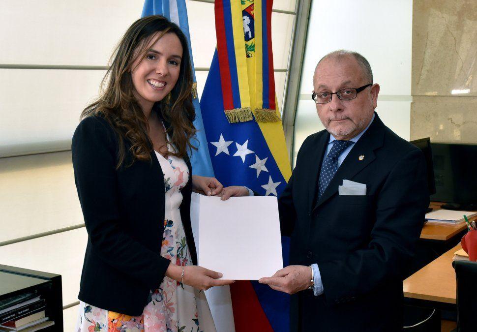 Argentina reconoció formalmente como embajadora de Venezuela a la funcionaria designada por Guaidó