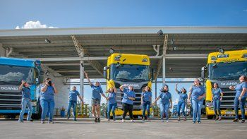 Scania festeja sus 12 nuevas Conductoras