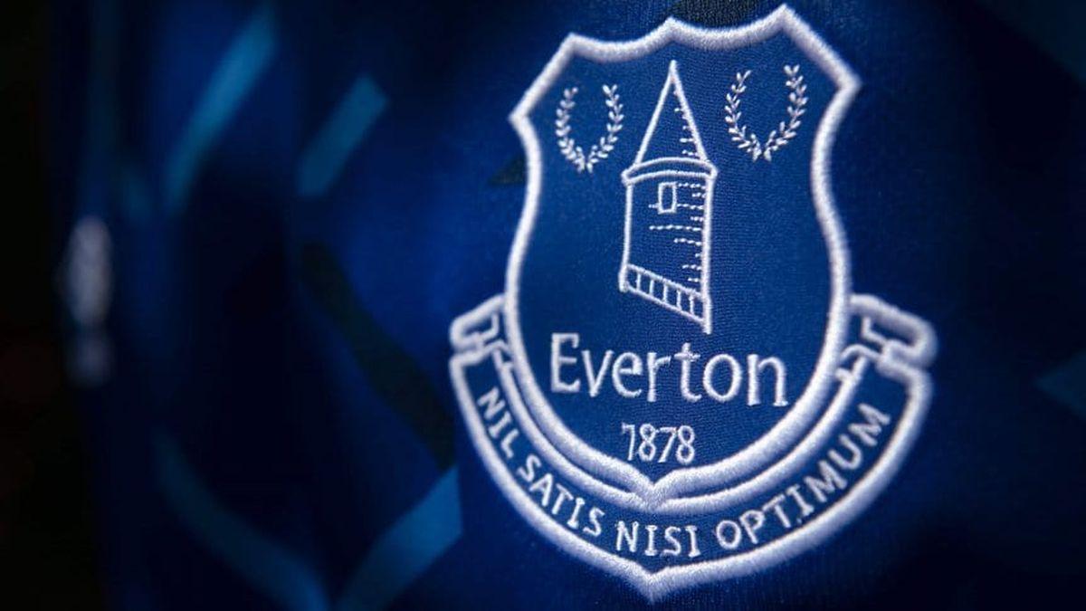 Everton anunció que un jugador de su plantel fue detenido por pedofilia.