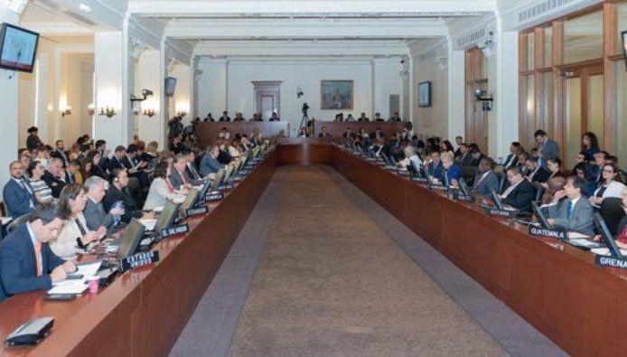 Con el apoyo de Estados Unidos, Argentina y Brasil, la OEA impulsa el TIAR, que incluye la opción de una intervención militar en Venezuela