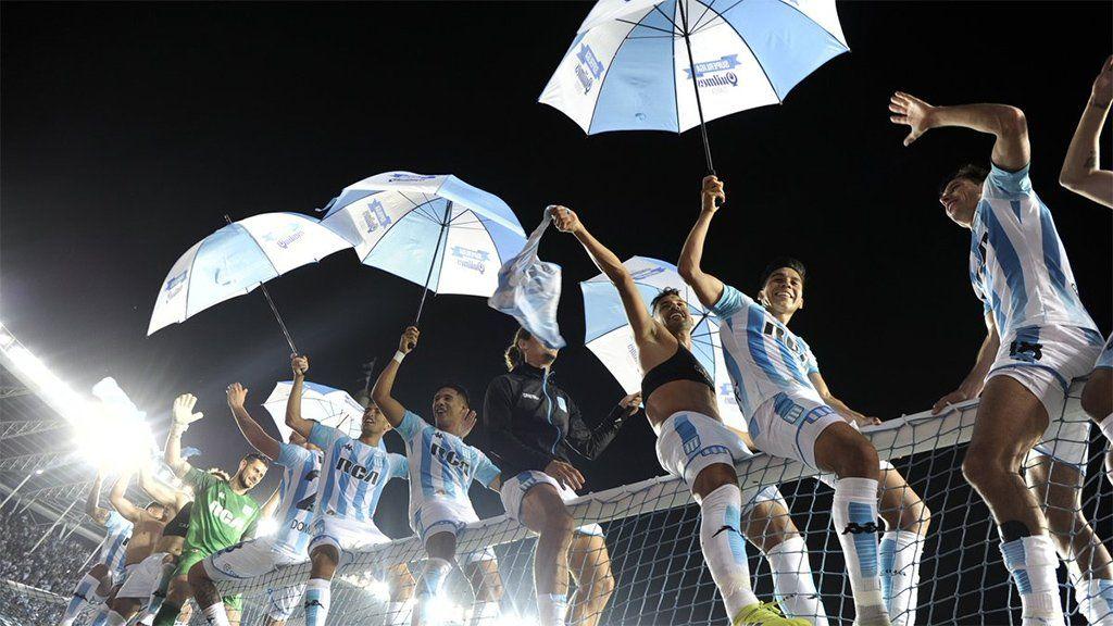 Racing vivió su fiesta en las tribunas y empató 1-1 con Defensa en el último partido de la Superliga