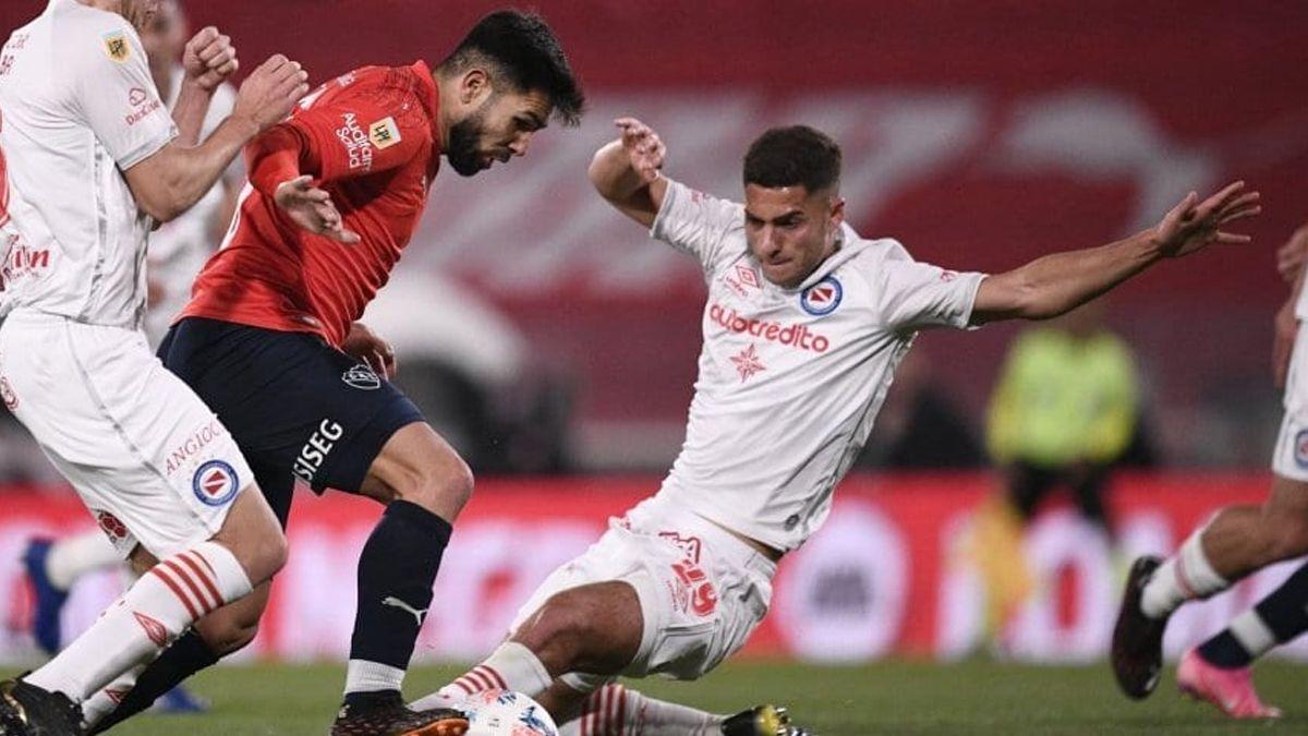 Independiente y Argentinos Jrs. empataron en su debút en el torneo.