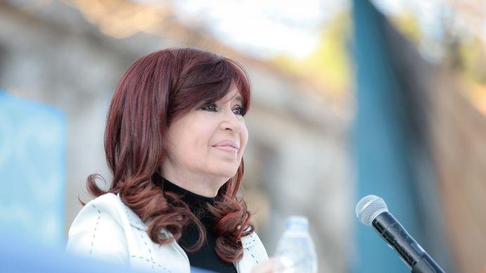 Cristina Kirchner apuntó contra la oposición: Pinchen los globos y pónganse a pensar qué hacemos con el país