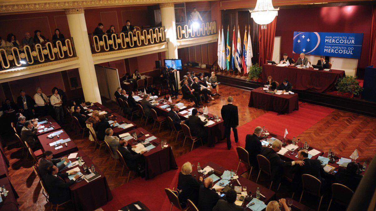El kirchnerismo bloqueó nuevamente el análisis el informe Bachelet sobre Venezuela en el Parlasur