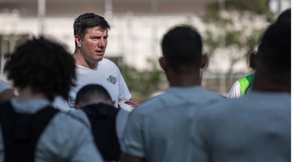 El DT argentino José Antonio Chamot sufrió un ACV y podría abandonar Libertad de Paraguay