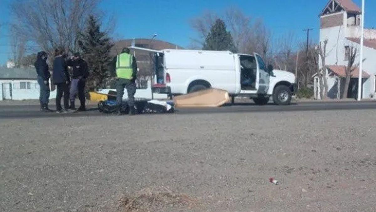 Neuquén: Un coche fúnebre perdió un ataúd en plena ruta