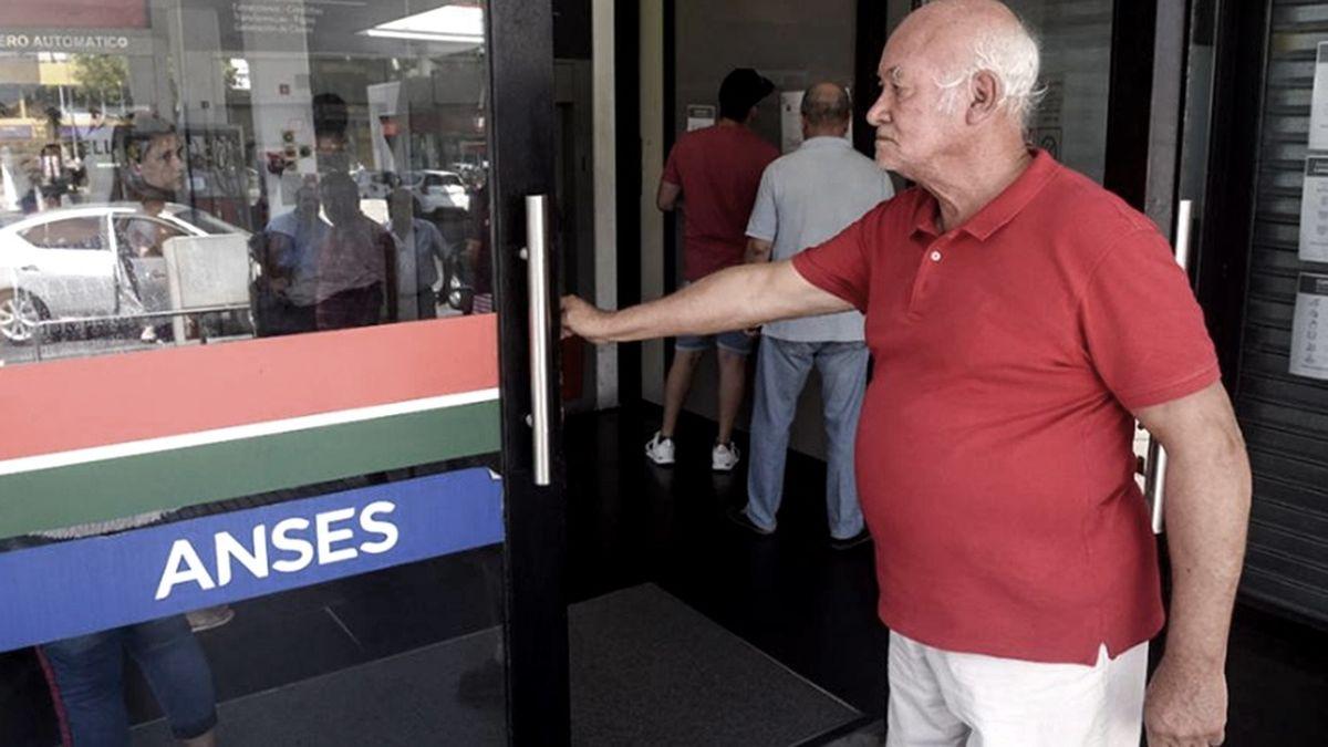 Jubilados y pensionados: se estima que el próximo ajuste de septiembre rondará alrededor del 12