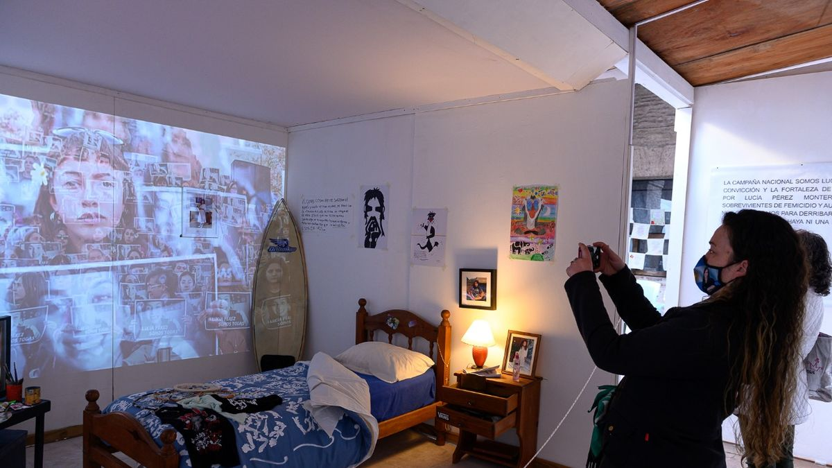 El cuarto de Lucía. Ciclo arte contra las violencias. La instalación se expone en Manzana de las Luces hasta el 10 de septiembre.