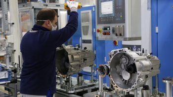 El empleo industrial cayó en agosto 2,1% interanual