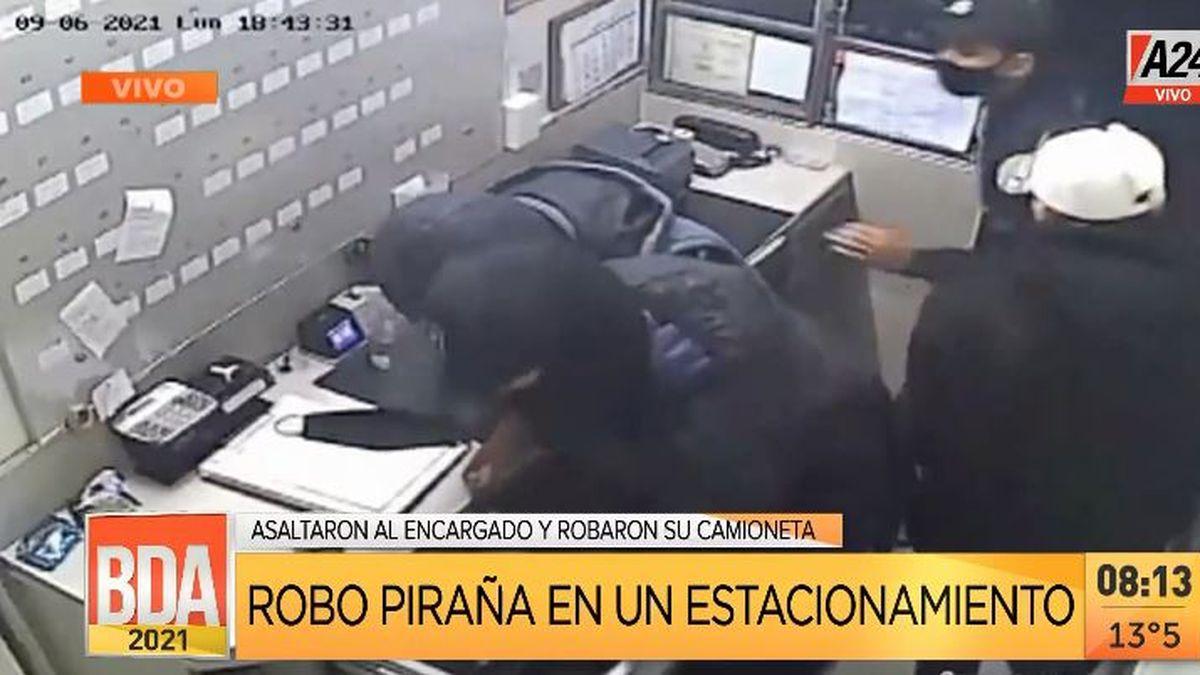 Robo piraña en un estacionamiento en hora pico en San Telmo. (Captura de Tv)
