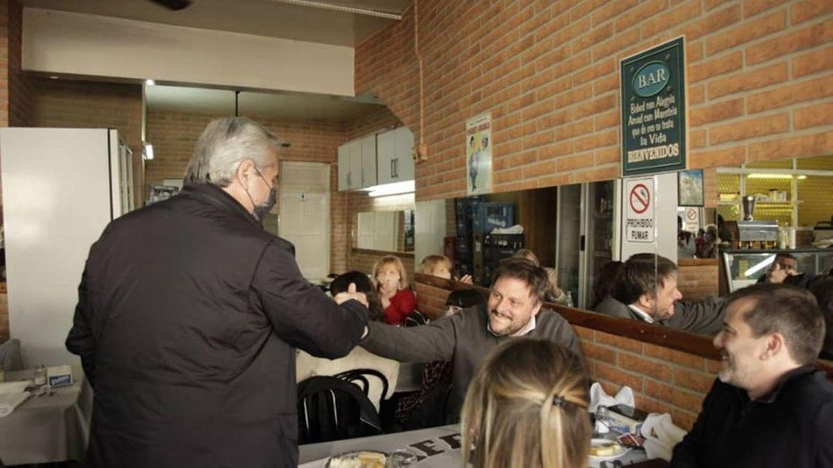 Alberto Santoro fue a almorzar con Leandro Santoro y Mariano Recalde.