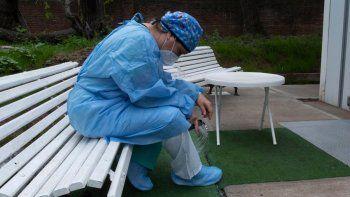 Personal de salud al límite: ¿Cómo cuidan a los que nos cuidan?