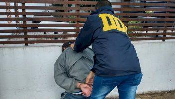 Detienen a un albañil acusado de violar a la empleada de una óptica de La Plata