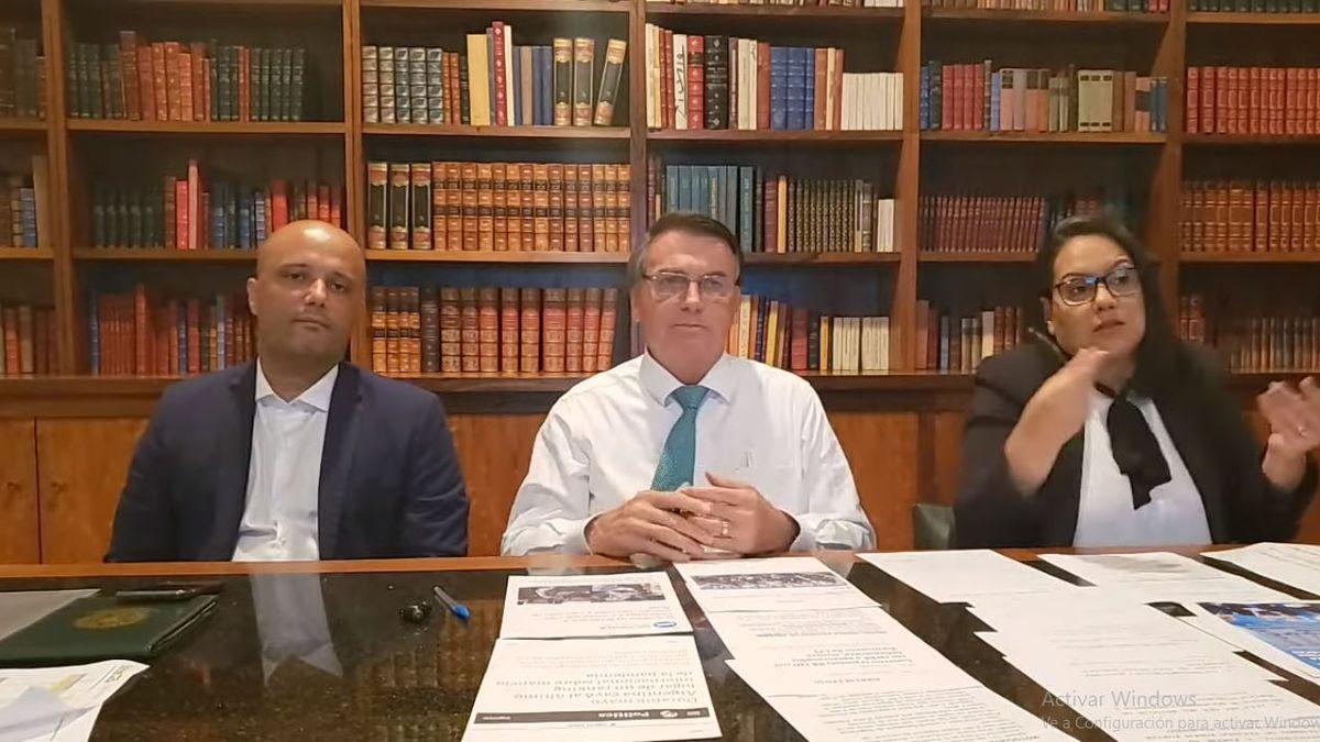 Jair Bolsonaro volvió a criticar el confinamiento en la Argentina: