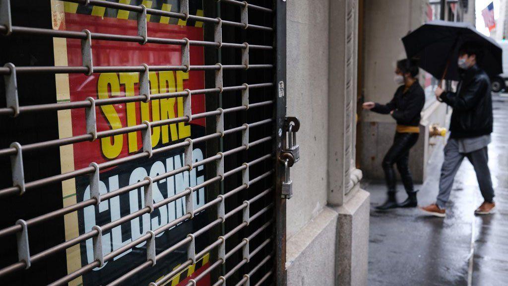 Estados Unidos, en recesión tras una caída récord de su economía por segundo trimestre consecutivo