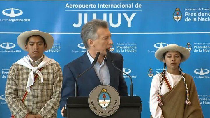 En pleno discurso, Macri dijo los escucho y le sonó el celular