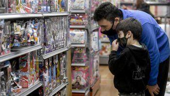 En febrero, las ventas minoristas cayeron un 6,5% interanual