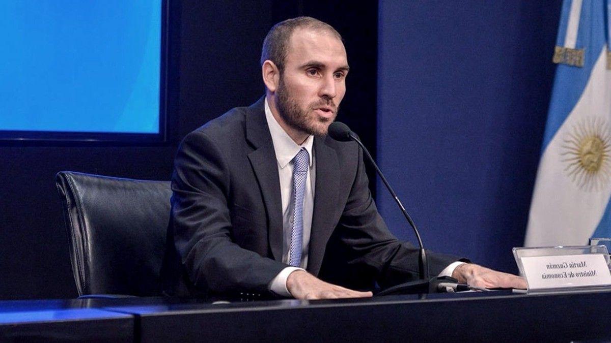 Martín Guzmán se enfrenta al dilema de permanecer o no en el cargo