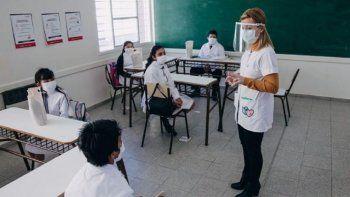 Hay que parar la actividad o restringirla al máximo en algunos distritos para evitar los contagios, manifestó hoy el titular del Sindicato Único de Trabajadores de la Educación (SUTEBA), Roberto Baradel, en diálogo con Radio La Red.