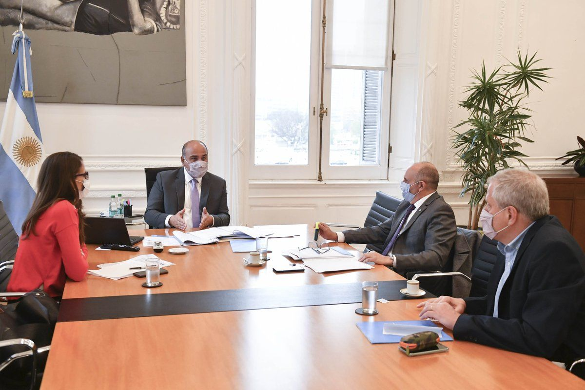 La intimidad del encuentro entre Juan Manzur y la ministra de Mujeres: Volvería a denunciarlo