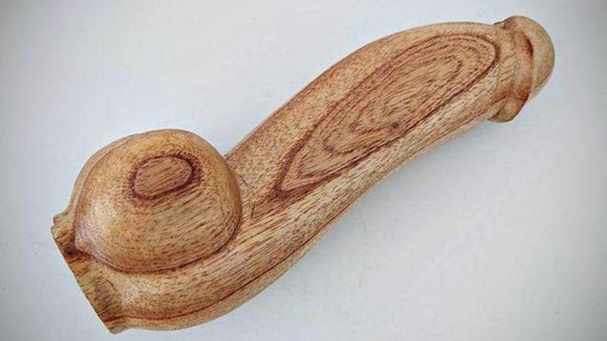 La ministra de Salud, Carla Vizzotti, afirmó que el inesperado debate mediático por la compra de penes de madera