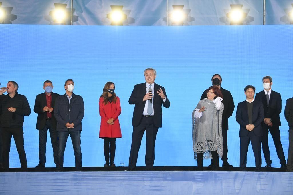 Alberto Fernández y Cristina Kirchner cierran la campaña de FdT en Tecnópolis: Gobernamos para todos