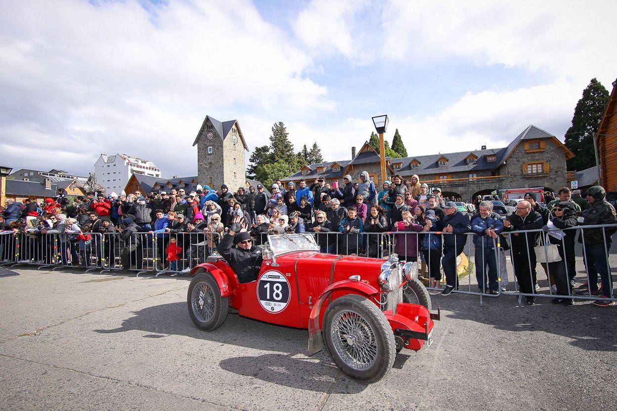 Las 1000 Millas Sport es la carrera de autos clásicos más importante de América Latina en la categoría de Autos Sport Históricos regresa del 24 al 28 de noviembre en Bariloche.