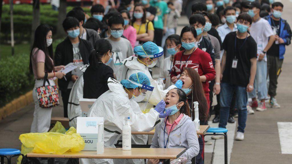 Wuhan testeó a casi la totalidad de sus 11 millones de habitantes para examinar el peligro de un rebrote