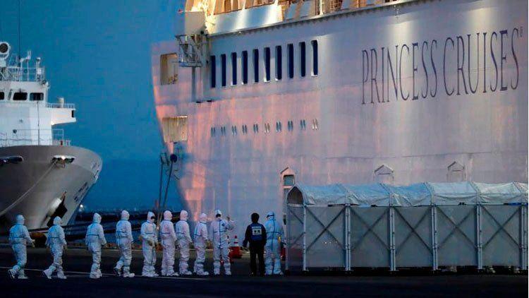 Coronavirus: mientras el crucero Diamond Princess sumó 88 nuevos casos, China informó la muerte del director del hospital de Wuhan