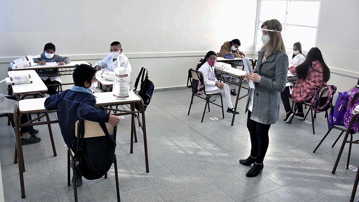 El gobierno porteño otorgó un aumento extra a los docentes