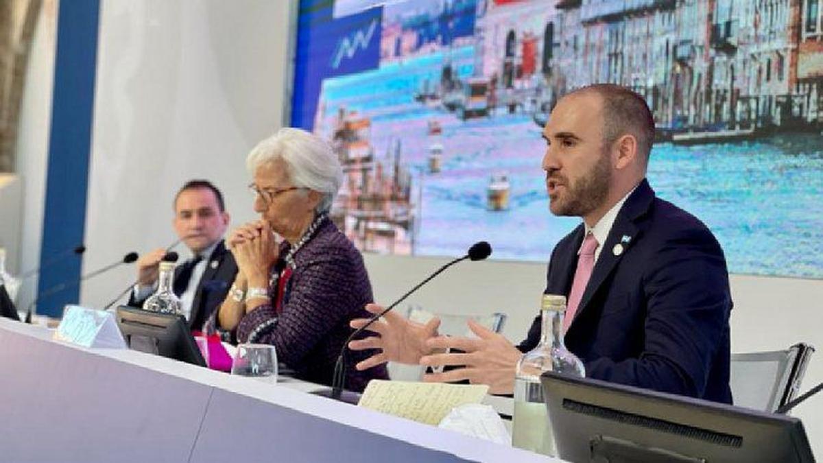 Cumbre en Venecia: Guzmán se comprometió ante el FMI a cumplir con próximos pagos.El ministro y Georgieva hablaron también de la eventualidad de una rebaja en las tasas