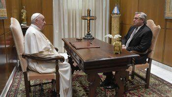 Alberto Fernández mantuvo un breve encuentro a solas con Francisco en el Vaticano
