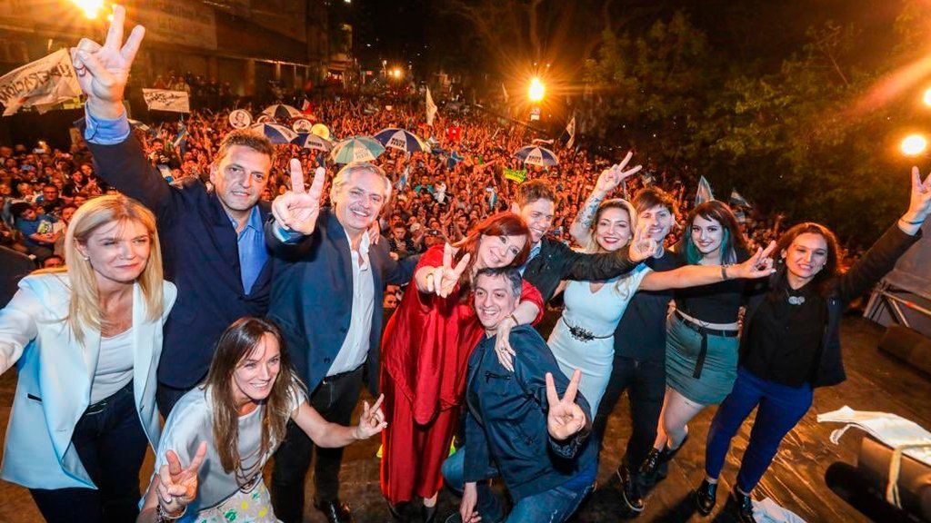 El Gobierno busca candidatos para volver a ganar con el Frente de Todos en las elecciones legislativas de noviembre y redituar la foto del triunfo de octubre de 2019. (Foto: Archivo)