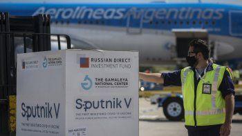 Llegó a Moscú un nuevo vuelo de Aerolíneas en busca de 500 mil vacunas Sputnik V