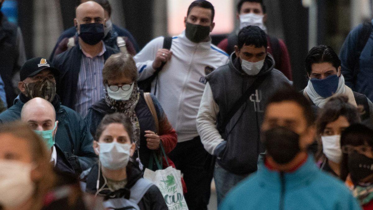 Córdoba, Río Negro, Salta, Jujuy y Mendoza confirmaron que no acatarán a la decisión del levantamiento del uso del barbijo obligatorio (Foto: Telam).