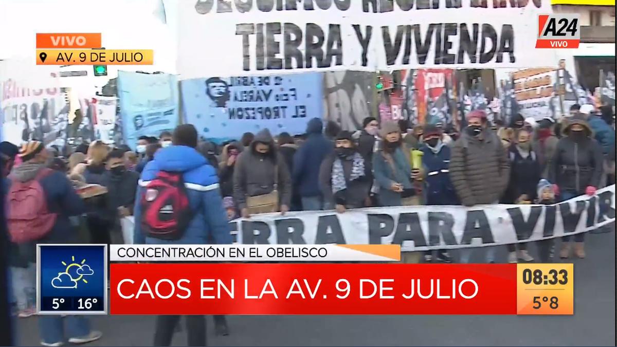 9 de Julio: corte y caos por el bloqueo de manifestantes que hace un año llevaban a cabo la toma de Guernica (Foto: captura de TV).