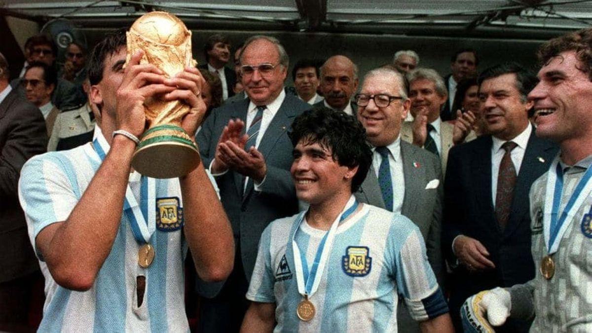 El fallecido Tata Brown habla en un video sobre cómo vivió la noche previa al partido Diego Maradona.