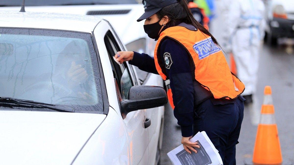 Comenzaron los controles vehiculares en los accesos a la Ciudad por las restricciones de este fin de semana